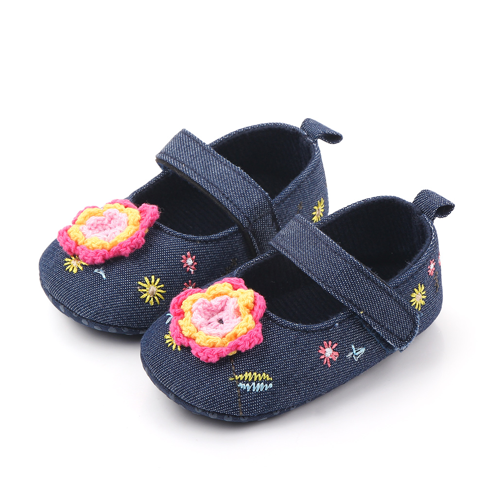 Baby / Toddler Floral Decorate Embroidered Prewalker Shoes